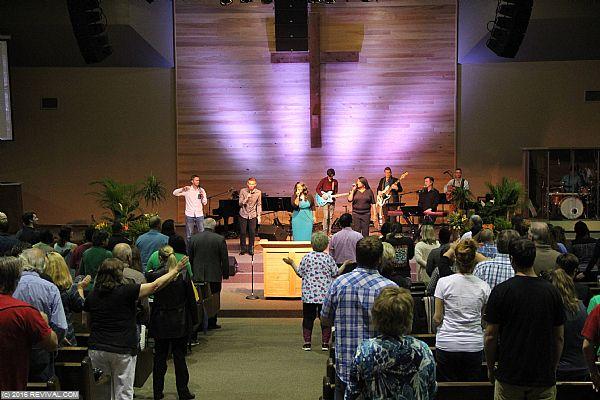 worshipday2night27.jpg (Large)
