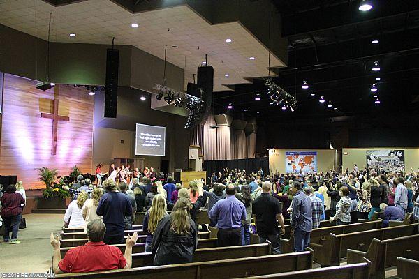 worshipday2night7.jpg (Large)