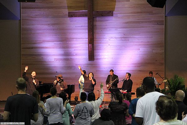 worshipday319.jpg (Large)