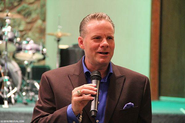 preaching5.JPG (Large)