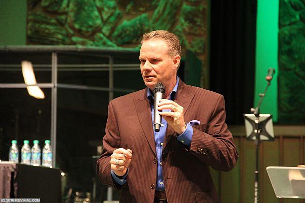 preaching1.JPG (Large)