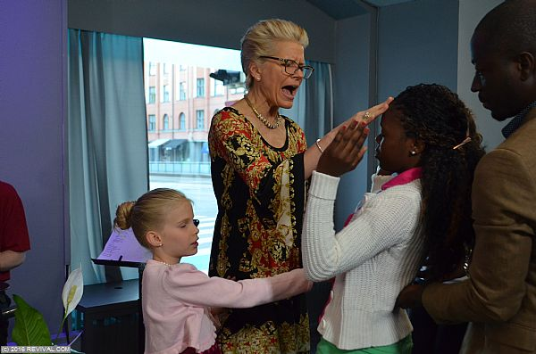 Jennifer & Emily ministering Finland.jpg (Large)