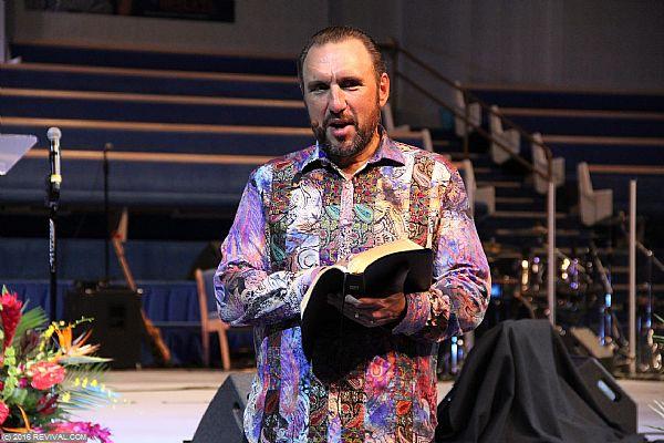preaching5th7.JPG (Large)