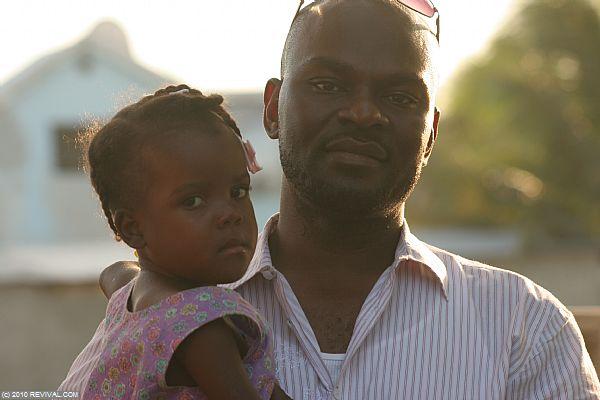 Haiti13.2.10_23.JPG (Large)