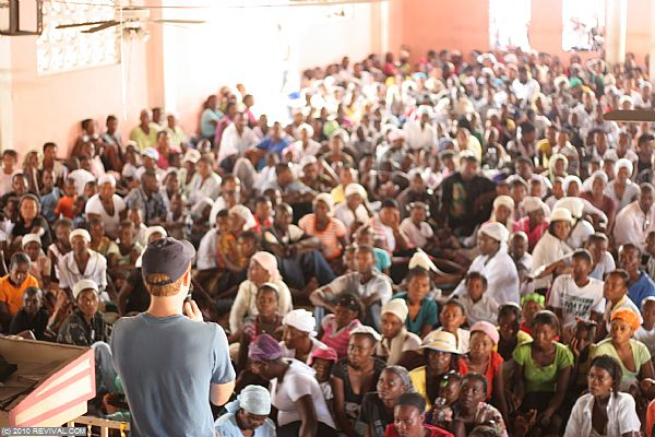 Haiti13.2.10_17.JPG (Large)