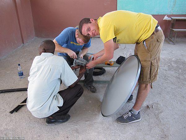 Haiti13.2.10_9.JPG (Large)