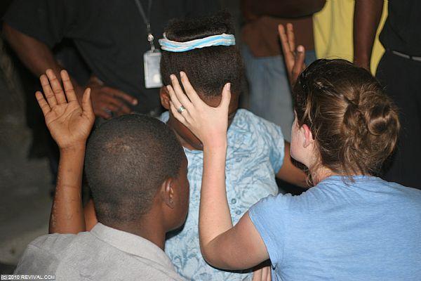 Haiti16.2.10pm_12.JPG (Large)