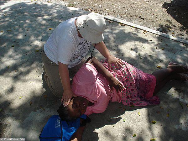 Haiti18.2.10am_3.JPG (Large)