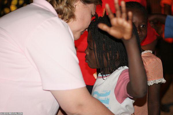Haiti18.2.10pm_13.JPG (Large)