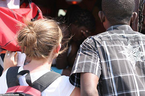Haiti20.2.10am_8.JPG (Large)