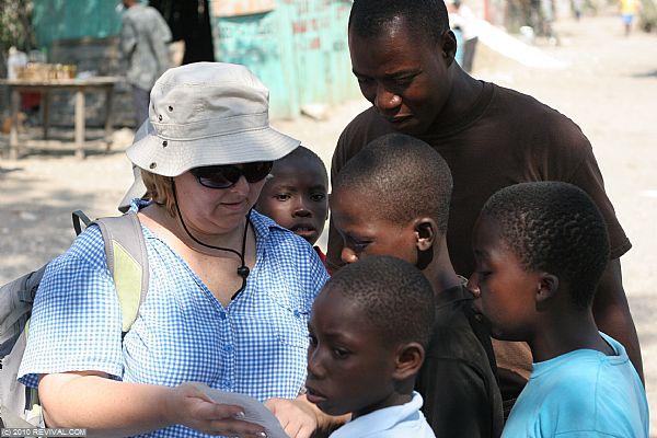 Haiti24.2.10am_8.JPG (Large)