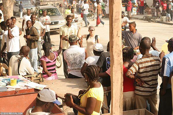 Haiti25.2.10am_6.JPG (Large)