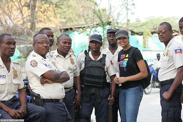 Haiti25.2.10am_4.JPG (Large)