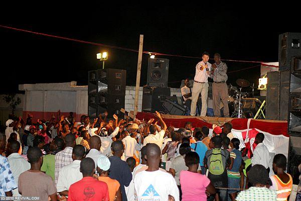 Haiti25.2.10pm_9.JPG (Large)