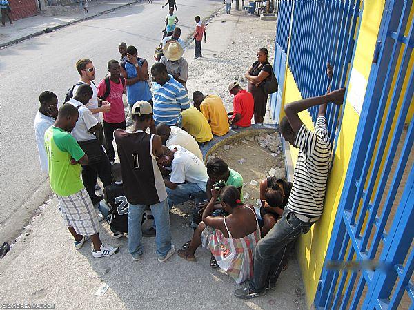 Haiti25.2.10am_11.JPG (Large)