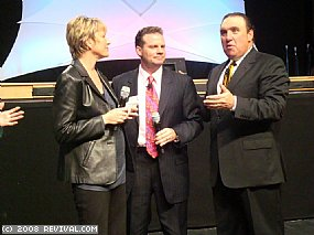 Dr Rodney Howard-Browne speaking to Crusade Directors Eric and Jennifer Gonyon