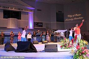worship5th6.JPG (Medium)