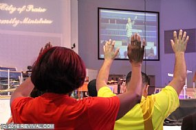 worship1.JPG (Medium)