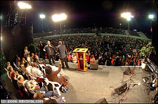 Rodney Howard-Browne preaching at GOOD NEWS MDANTSANE - June 2006