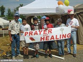 prayer tent thursday.jpg (Medium)