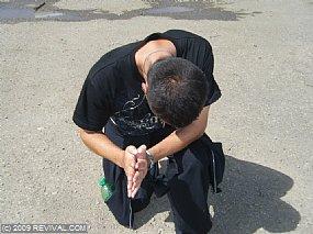 man praying.jpg (Medium)