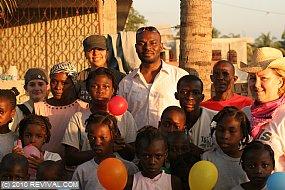 Haiti13.2.10_26.JPG (Medium)