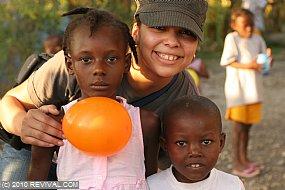 Haiti13.2.10_25.JPG (Medium)