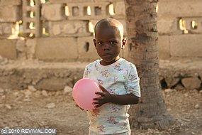 Haiti13.2.10_22.JPG (Medium)