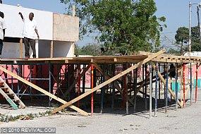 Haiti13.2.10_21.JPG (Medium)