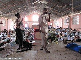Haiti13.2.10_11.JPG (Medium)
