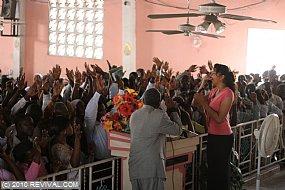 Haiti21.2.10am_15.JPG (Medium)