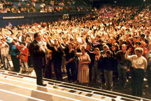Rodney Howard-Browne giving an altar call in Melbourne Australia